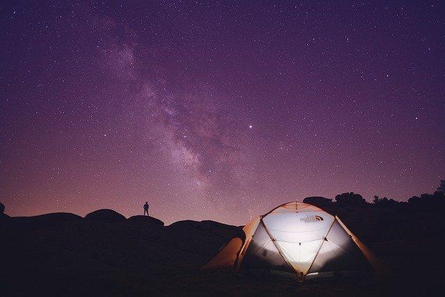 šatori-oprema-za-kampiranje